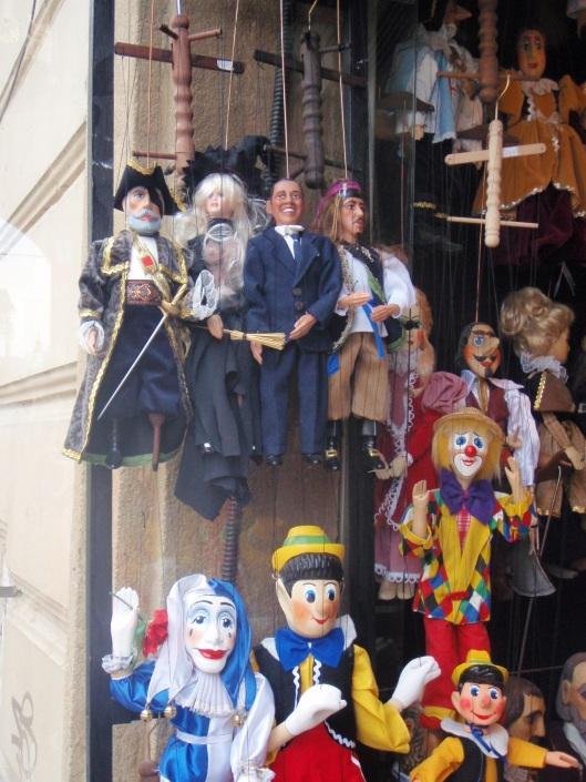 Obama puppets