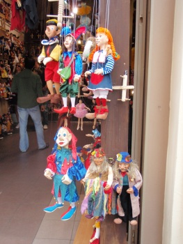 More puppet shops than tourists